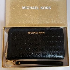 Michael Kors Jet Set Phone Case/ Wallet /Wristlet